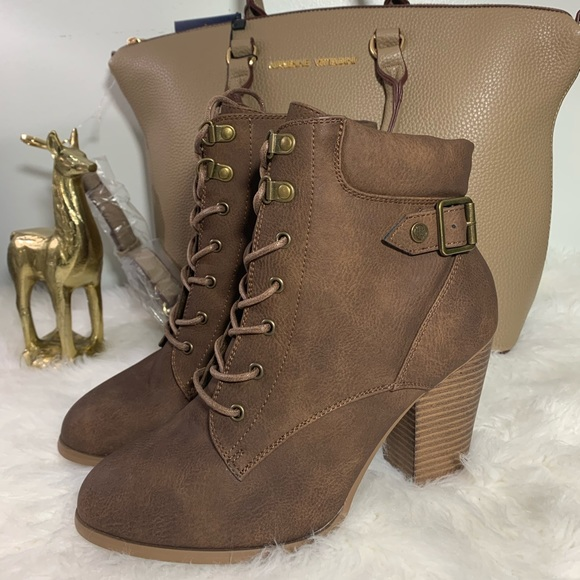 Daisy Fuentes Shoes Charming Brown Size Varios Booties Poshmark Fox news flash top headlines for may 30 are here. poshmark